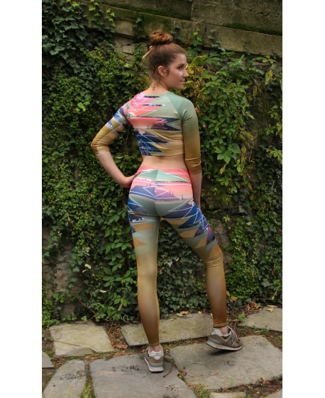 Golden sunset in the mountains leggings for yoga and bra